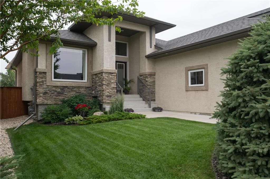 Photo 2: Photos: 22 Vestford Place in Winnipeg: South Pointe Residential for sale (1R)  : MLS®# 202116964