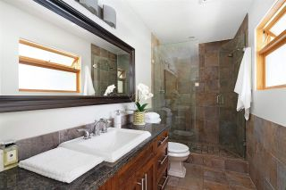 Photo 13: 1010 CLEMENTS Avenue in North Vancouver: Canyon Heights NV House for sale : MLS®# R2380587