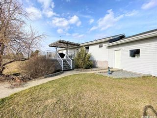 Photo 3: 800 McKenzie Street North in Outlook: Residential for sale : MLS®# SK849917