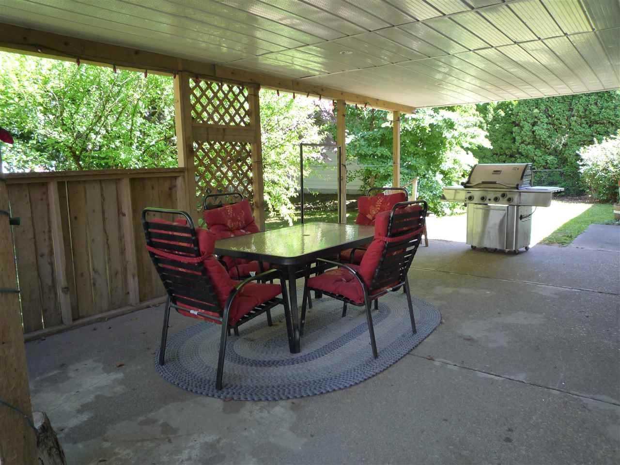 Photo 2: Photos: 1636 VIMY Road: Agassiz House for sale : MLS®# R2056781