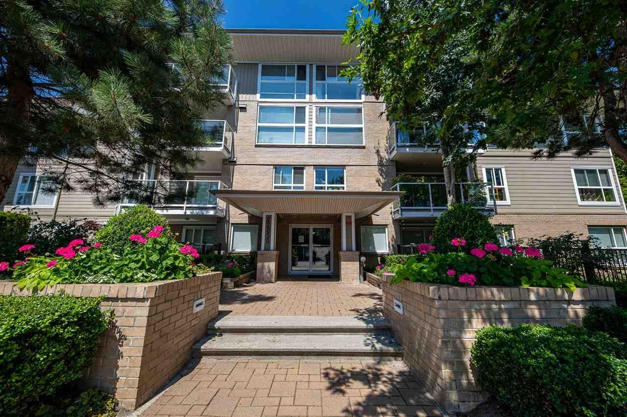 """Main Photo: 406 22255 122 Avenue in Maple Ridge: West Central Condo for sale in """"Magnolia Gate"""" : MLS®# R2392786"""