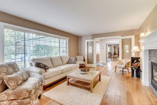 """Photo 3: 2895 COUNTRY WOODS Drive in Surrey: Grandview Surrey House for sale in """"Country Woods"""" (South Surrey White Rock)  : MLS®# R2051095"""