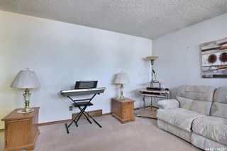Photo 6: 165 Rink Avenue in Regina: Walsh Acres Residential for sale : MLS®# SK852632
