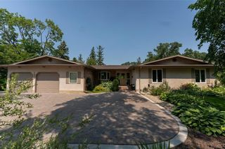 Photo 1: 6405 Southboine Drive in Winnipeg: Charleswood Residential for sale (1F)  : MLS®# 202117051