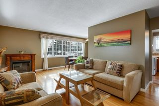 Photo 2: 624 Seattle Drive SW in Calgary: Southwood Detached for sale : MLS®# A1077416