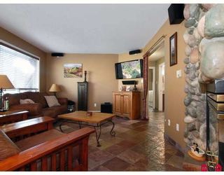 """Photo 5: 20325 93RD Avenue in Langley: Walnut Grove House for sale in """"FOREST GLEN"""" : MLS®# F2902844"""