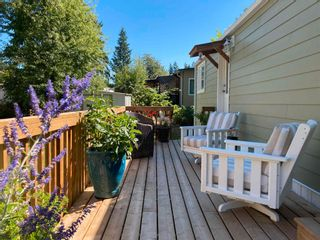 """Photo 5: 177 1413 SUNSHINE COAST Highway in Gibsons: Gibsons & Area Manufactured Home for sale in """"THE POPLARS"""" (Sunshine Coast)  : MLS®# R2604177"""