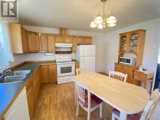 Photo 6: 858 SPRUCE AVENUE in 100 Mile House: House for sale : MLS®# R2596577