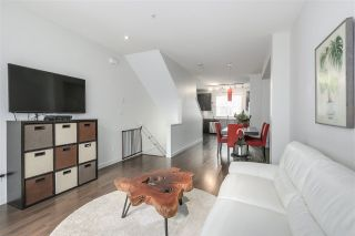 """Photo 5: 19 19538 BISHOPS REACH in Pitt Meadows: South Meadows Townhouse for sale in """"TURNSTONE"""" : MLS®# R2255037"""