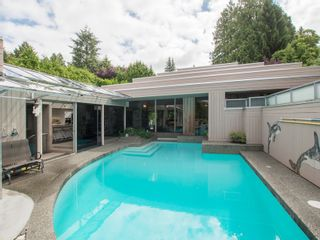 Photo 1: 6188 Balaclava Street in Vancouver: Kerrisdale Home for sale ()