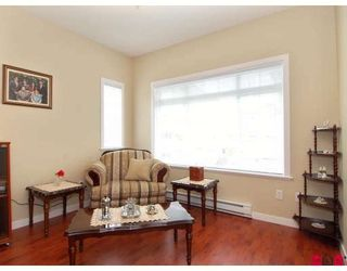"""Photo 5: 15 6852 193RD Street in Surrey: Clayton Townhouse for sale in """"Indigo"""" (Cloverdale)  : MLS®# F2817479"""