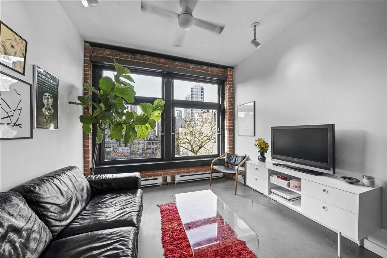 "Main Photo: 402 53 W HASTINGS Street in Vancouver: Downtown VW Condo for sale in ""Paris Block"" (Vancouver West)  : MLS®# R2554831"