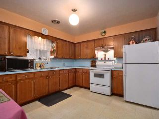 Photo 3: 325 E WOODSTOCK Avenue in Vancouver: Main House for sale (Vancouver East)  : MLS®# V976720