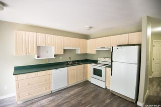 Photo 2: 38 215 Pinehouse Drive in Saskatoon: Lawson Heights Residential for sale : MLS®# SK864453