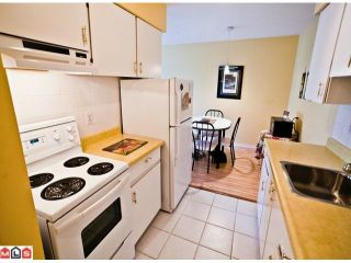 """Photo 6: 220 1442 BLACKWOOD Street: White Rock Condo for sale in """"Blackwood Manor"""" (South Surrey White Rock)  : MLS®# F1106343"""