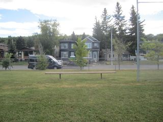 Photo 5: 8633 34 Avenue NW in Calgary: Bowness Detached for sale : MLS®# A1031330