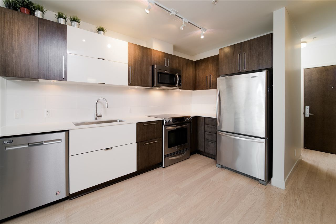 """Photo 3: Photos: 203 215 E 33RD Avenue in Vancouver: Main Condo for sale in """"33 & Main"""" (Vancouver East)  : MLS®# R2506740"""