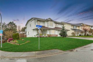 """Photo 2: 34616 CALDER Place in Abbotsford: Abbotsford East House for sale in """"McMillan"""" : MLS®# R2563991"""