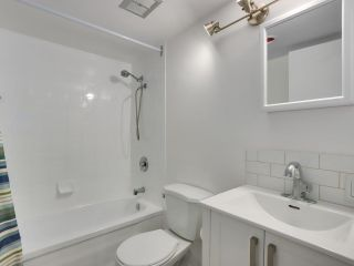 """Photo 19: 1203 2370 W 2ND Avenue in Vancouver: Kitsilano Condo for sale in """"Century House"""" (Vancouver West)  : MLS®# R2625457"""