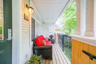 """Photo 3: 81 6878 SOUTHPOINT Drive in Burnaby: South Slope Townhouse for sale in """"CORTINA"""" (Burnaby South)  : MLS®# R2369497"""