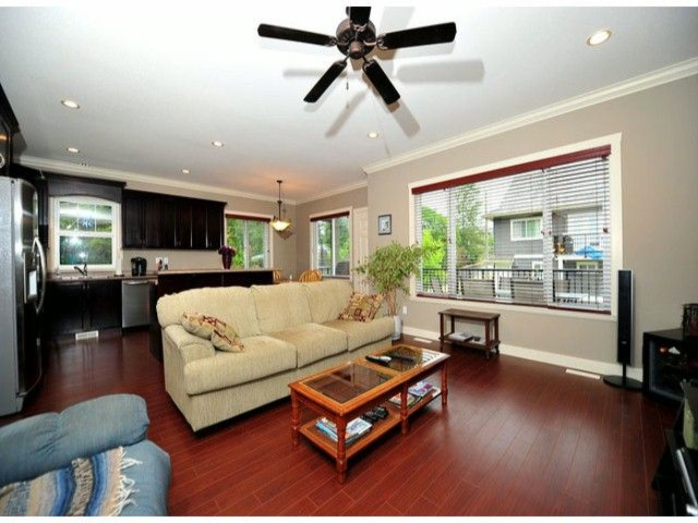 Photo 3: Photos: 8596 FAIRBANKS ST in Mission: Mission BC House for sale : MLS®# F1318181