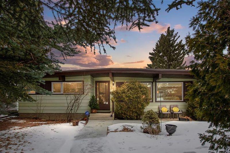 FEATURED LISTING: 36 HUNTERBURN Place Northwest Calgary