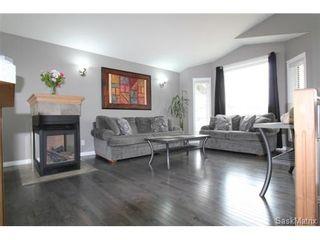 Photo 6: 355 Thode AVENUE in Saskatoon: Willowgrove Single Family Dwelling for sale (Saskatoon Area 01)  : MLS®# 460690
