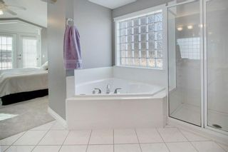 Photo 15: 2010 Broadview Road NW in Calgary: West Hillhurst Semi Detached for sale : MLS®# A1072577