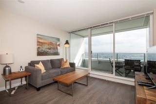 """Photo 5: 3208 488 SW MARINE Drive in Vancouver: Marpole Condo for sale in """"Marine Gateway"""" (Vancouver West)  : MLS®# R2440904"""