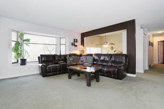 """Photo 2: 5807 170A Street in Surrey: Cloverdale BC House for sale in """"JERSEY HILLS"""" (Cloverdale)  : MLS®# R2036586"""
