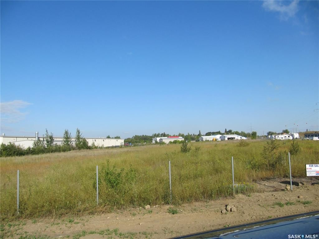 Main Photo: 111 Aberdeen Street in North Battleford: Parsons Industrial Park Commercial for sale : MLS®# SK863218
