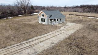 Photo 2: 19183 Cure Road in St Pierre-Jolys: R17 Residential for sale : MLS®# 202010007