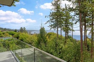 """Photo 21: 14230 WHEATLEY Avenue: White Rock House for sale in """"West Side White Rock Beaches"""" (South Surrey White Rock)  : MLS®# R2607869"""