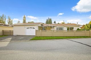 """Main Photo: 2 1400 164 Street in Surrey: King George Corridor House for sale in """"Gateway Gardens"""" (South Surrey White Rock)  : MLS®# R2627080"""