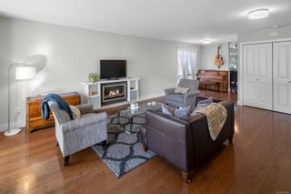 Photo 5: 209 2731 Jacklin Rd in : La Langford Proper Row/Townhouse for sale (Langford)  : MLS®# 885651