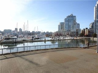 "Photo 11: 2002 1009 EXPO Boulevard in Vancouver: Yaletown Condo for sale in ""LANDMARK 33"" (Vancouver West)  : MLS®# R2090524"