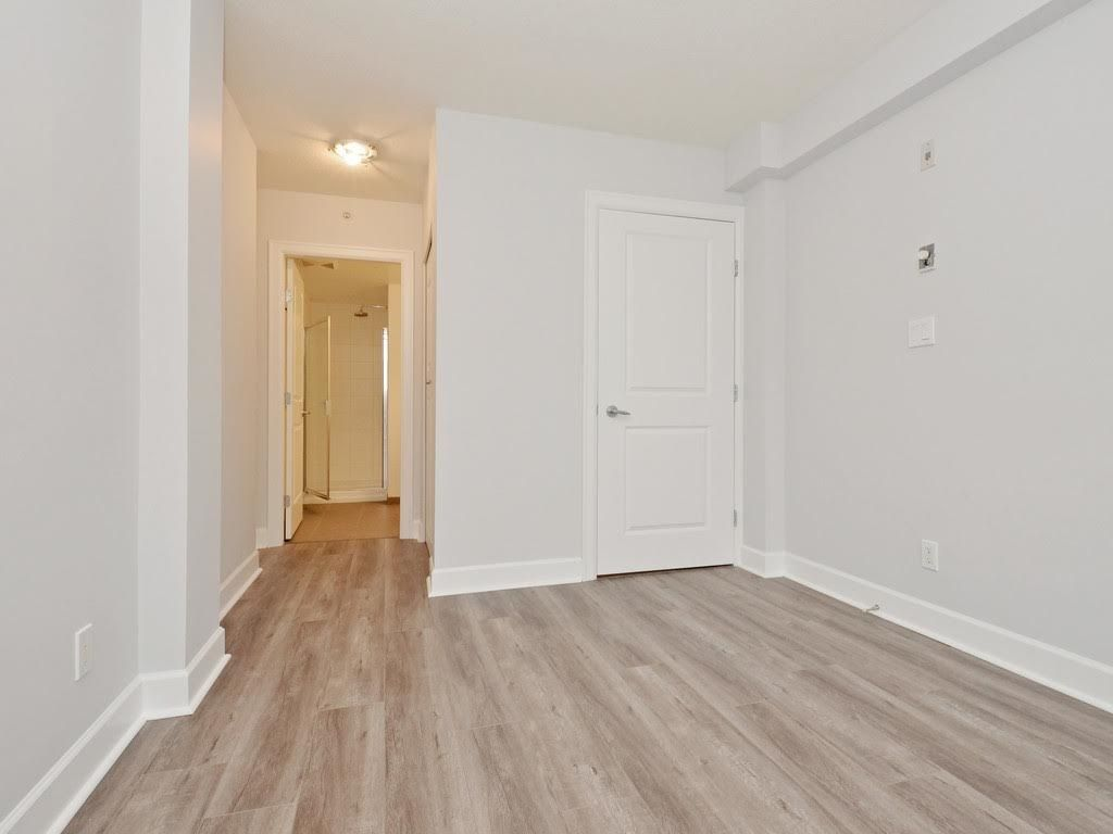 """Photo 10: Photos: 403 3811 HASTINGS Street in Burnaby: Vancouver Heights Condo for sale in """"MONDEO"""" (Burnaby North)  : MLS®# R2119090"""
