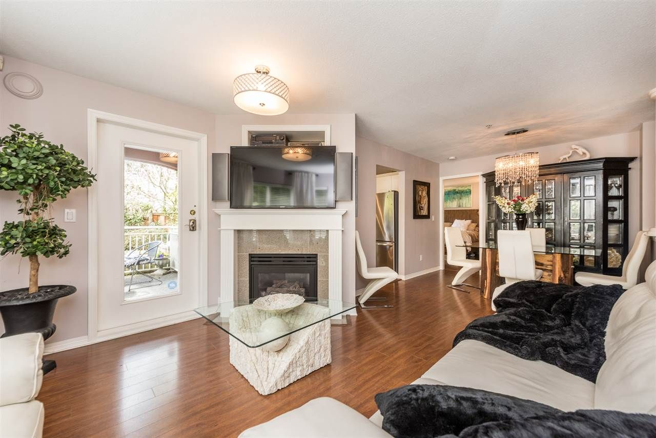 """Photo 3: Photos: 101 130 W 22 Street in North Vancouver: Central Lonsdale Condo for sale in """"THE EMERALD"""" : MLS®# R2159416"""