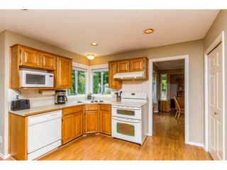 Photo 9: 14325 85A Avenue in Surrey: Bear Creek Green Timbers House for sale : MLS®# R2077182
