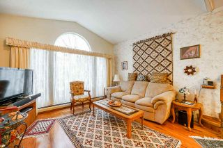 Photo 6: 15901 88A Avenue in Surrey: Fleetwood Tynehead House for sale : MLS®# R2535986