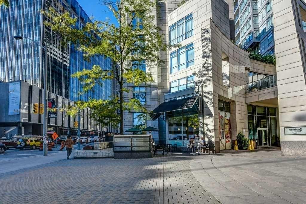 Main Photo: 910 2191 Yonge Street in Toronto: Mount Pleasant West Condo for sale (Toronto C10)  : MLS®# C4608793
