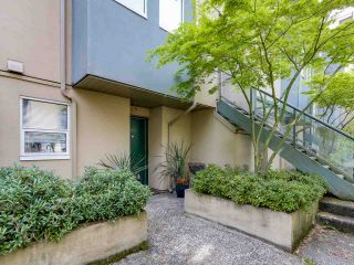 """Photo 19: 3011 LAUREL Street in Vancouver: Fairview VW Townhouse for sale in """"FAIRVIEW COURT"""" (Vancouver West)  : MLS®# R2058843"""