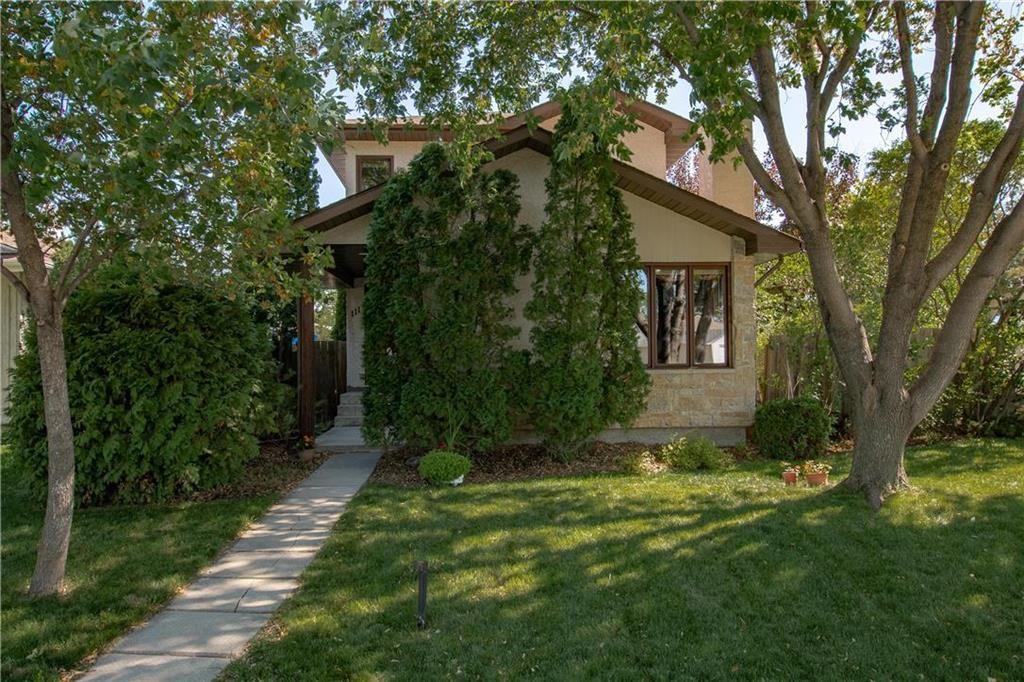 Main Photo: 111 Donan Street in Winnipeg: Riverbend Residential for sale (4E)  : MLS®# 202122424