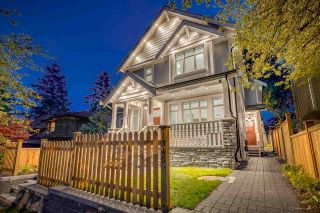 Photo 2: 1346 E 18TH Avenue in Vancouver: Knight 1/2 Duplex for sale (Vancouver East)  : MLS®# R2214844