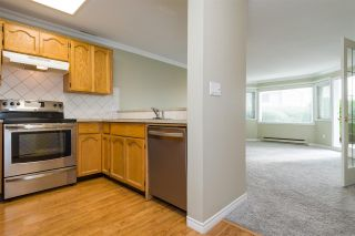 Photo 4: 105 13965 16 Avenue in Surrey: Sunnyside Park Surrey Condo for sale (South Surrey White Rock)  : MLS®# R2312080