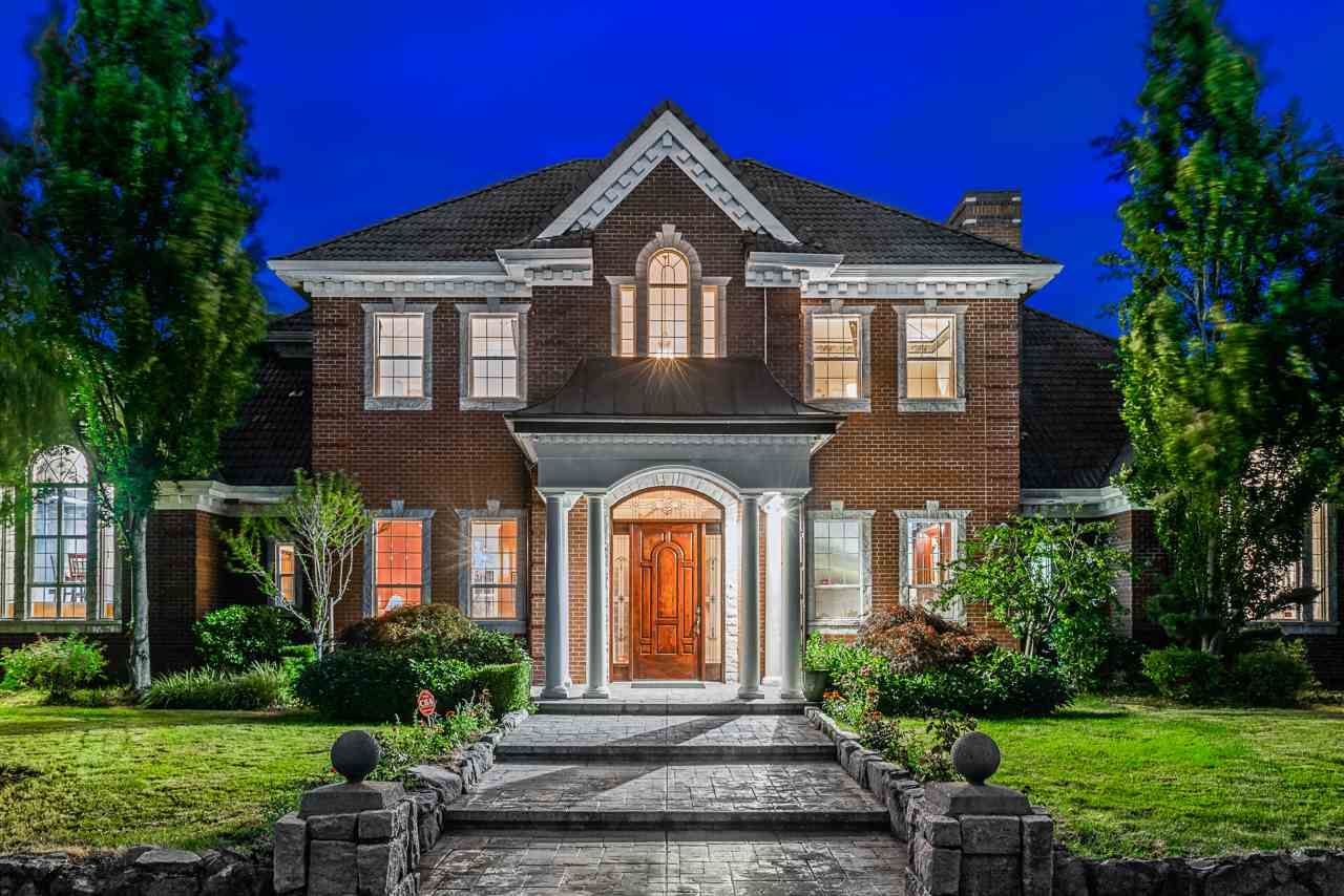 Main Photo: 19085 40 Avenue in Surrey: Serpentine House for sale (Cloverdale)  : MLS®# R2486535
