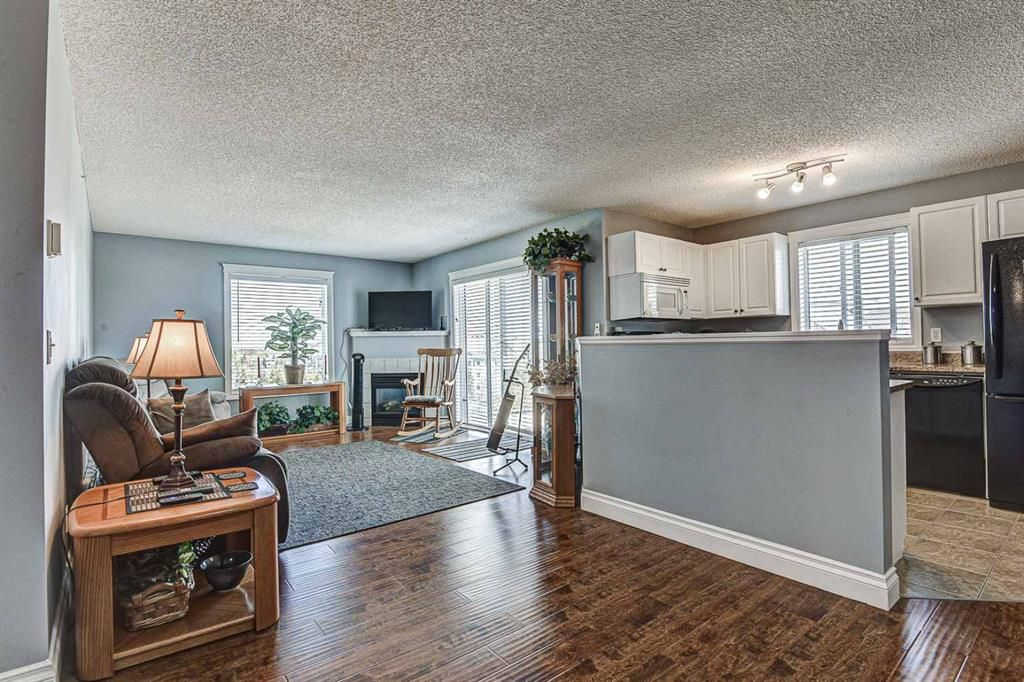 Photo 3: Photos: 414 6000 Somervale Court SW in Calgary: Somerset Apartment for sale : MLS®# A1126946