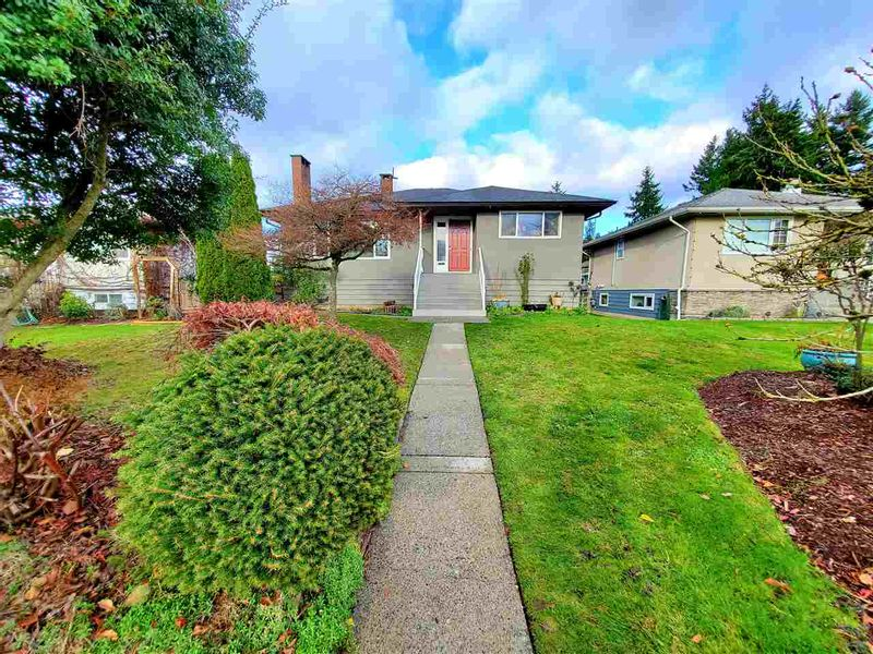 FEATURED LISTING: 3769 DUBOIS Street Burnaby