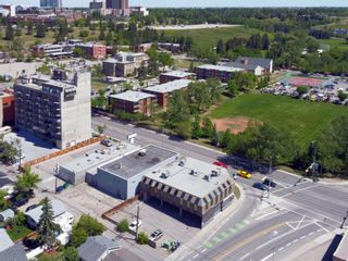 Photo 6: 701 14 Street NW in Calgary: Hillhurst Mixed Use for sale : MLS®# A1128858