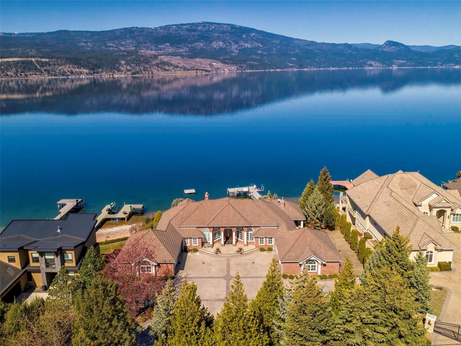 Main Photo: 16200 Carrs Landing Road, in Lake Country: House for sale : MLS®# 10229534